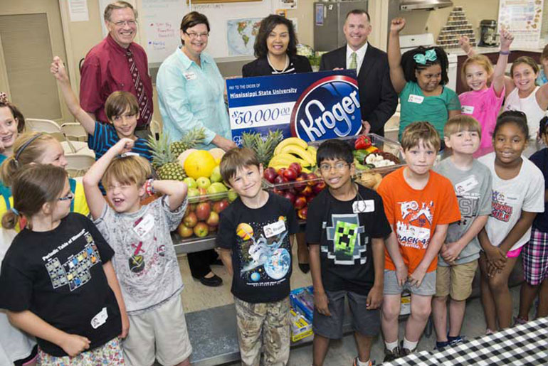 Students celebrate gift from Kroger